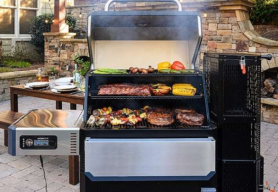 Key Features of Masterbuilt Gravity Series 1050 Digital Charcoal Grill