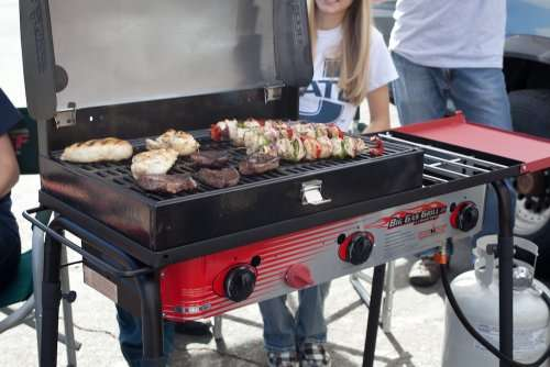 Key Features of the Camp Chef Big Gas Grill